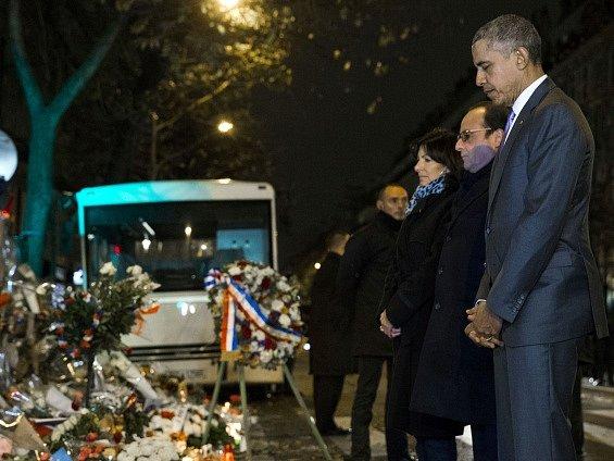 Obama u klubu Bataclan uctil památku obětí pařížských útoků.