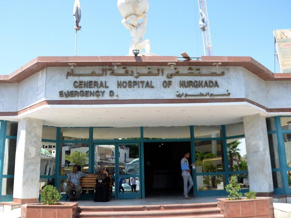 Nemocnice v Hurghadě, kam byli převezeni zranění turisté po útoku teroristy.