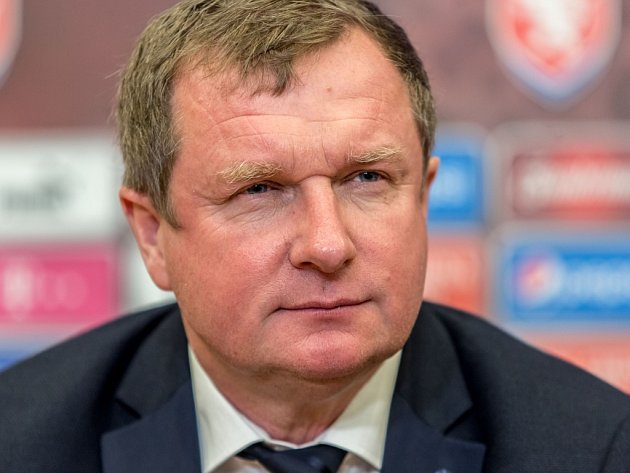 Trenér fotbalové reprezentace Pavel Vrba.