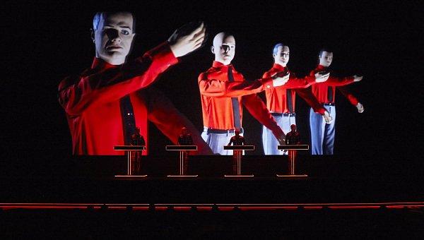 Legenda elektronické hudby, skupina Kraftwerk, zahraje 3.prosince vpražském Foru Karlín.