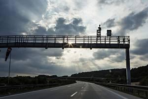 Mýtná brána na dálnici - ilustrační foto