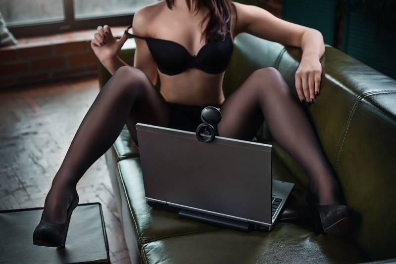 On-line prostředá v sexu má plno výhod. Loni třeba díky izolaci významně pokleslošíření pohlavně přenosných chorob.