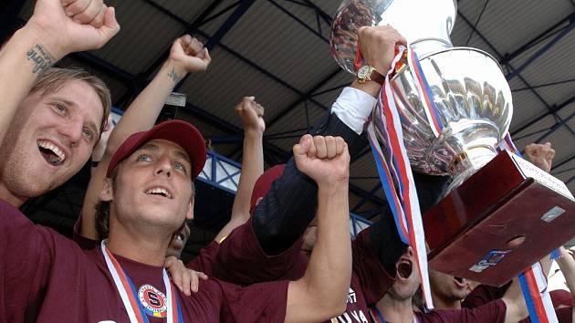 Fotbalisté Sparty slaví 34. mistrovský titul.