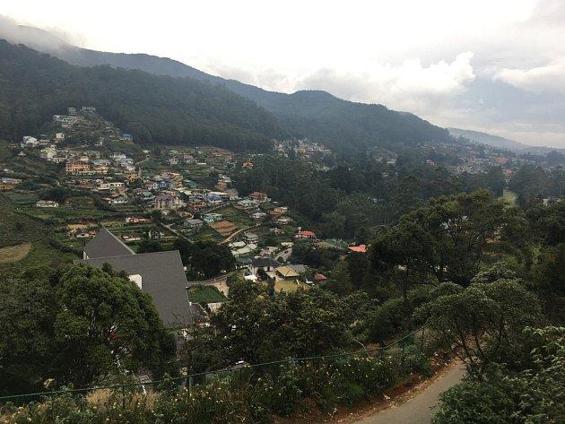 Výhled zhotelu The Wind Castle do údolí