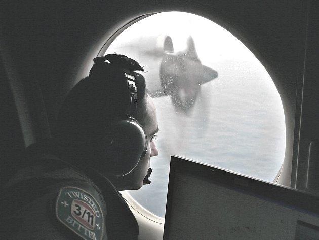 Pátrání po zmizelém letadle.