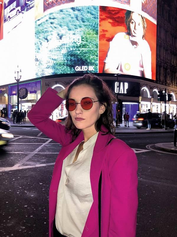 Jako náruživá cestovatelka se těší, až se zase podívá do ciziny. V Londýně si užívala města.
