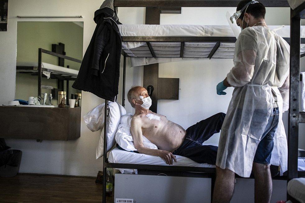 """Cena Výboru dobré vůle - Nadace Olgy Havlové """"Můj život s handicapem"""": Medici na ulici"""