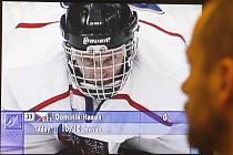Vítězství českých hokejistů v Naganu si lidé připomínají dodnes.