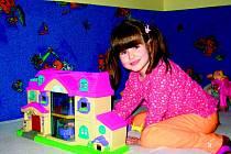 Malá Anička málem zaplatila za boj s pneumokokovou meningitidou životem.
