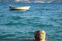 Evropané loví v mořích moc ryb a znečišťují ho odpady.