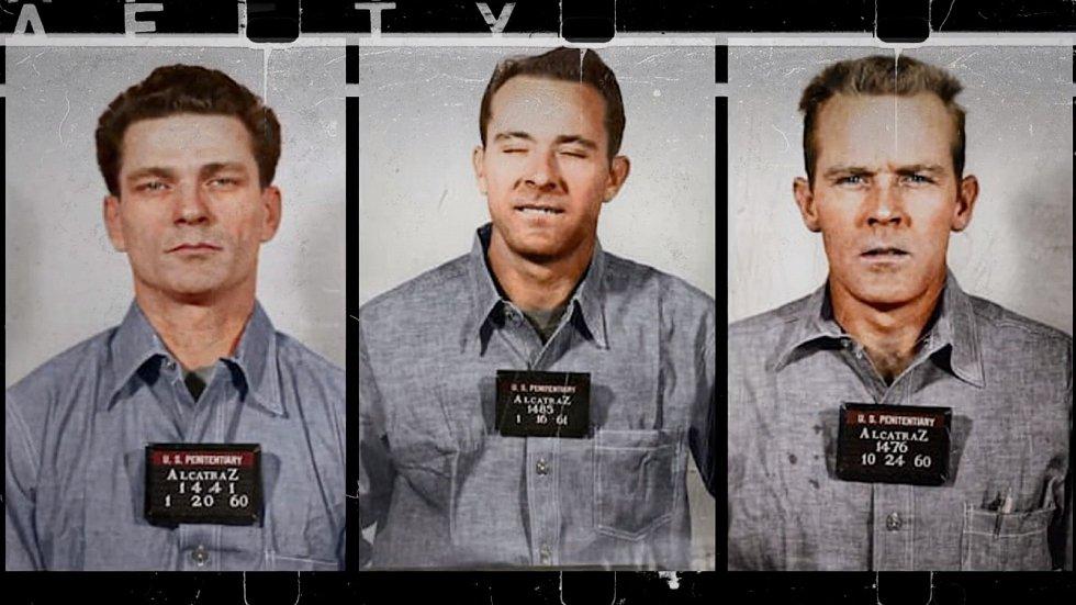 Zleva Frank Lee Morris, Clarence Anglin a John Anglin. Dokázala se tato trojice vězňů dostat z Alcatrazu?