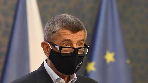 Premiér Andrej Babiš vystoupil 27. července 2020 v Praze na tiskové konferenci po jednání vlády