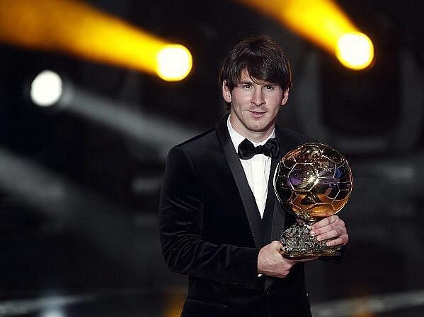 Zlatý míč FIFA pro nejlepšího fotbalistu světa za rok 2010 v pondělí získal Lionel Messi.