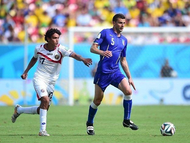 Itálie vs. Kostarika: Thiago Motta a Tejeda