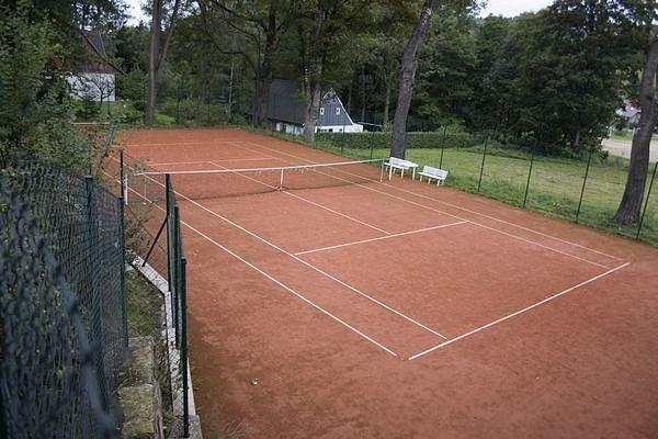 Sokolovna Kokonín má více hřišť - i na tenis