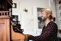 Jazzový pianista Jason Moran opanuje v jeden večer Velký sál Lucerny i Lucerna Music Bar.