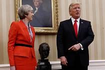 Setkání Donalda Trumpa s Theresou Mayovou