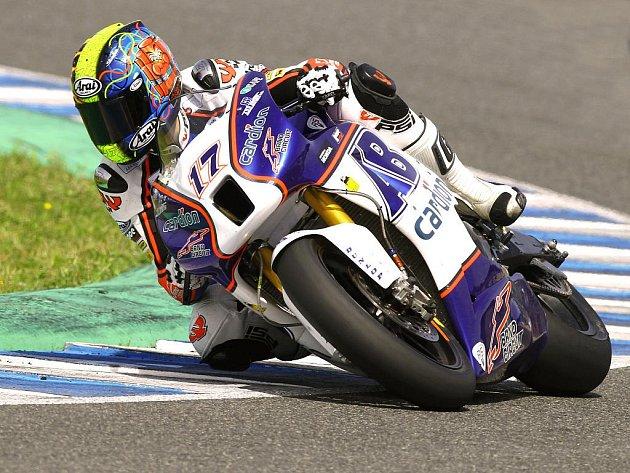 Závodník Karel Abraham na okruhu v Jerezu.