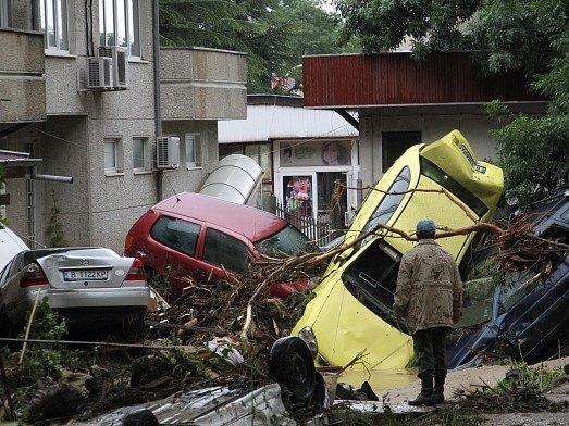 Povodně v Bulharsku si vyžádaly 14 životů.