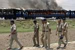 Hořící vlak - ilustrační foto.
