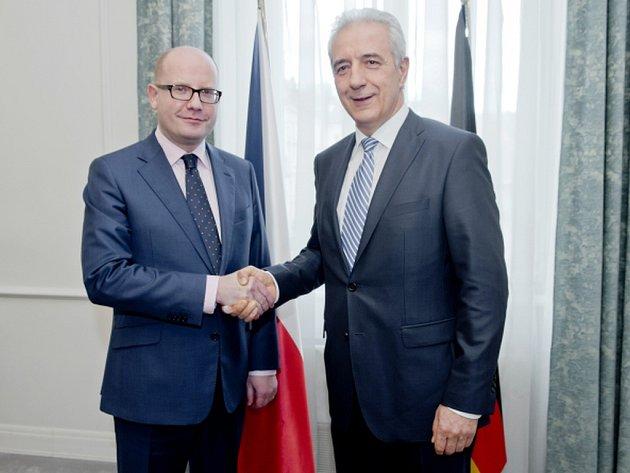 Premiér Bohuslav Sobotka se sešel s předsedou Spolkové rady Německa a saským ministerským předsedou Stanislawem Tillichem.