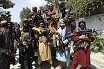 Bojovníci Tálibánu v afghánské metropoli Kábulu, 19. srpna 2021