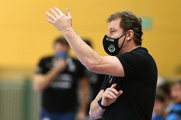 Trenér Zubří Michal Tonar starší.