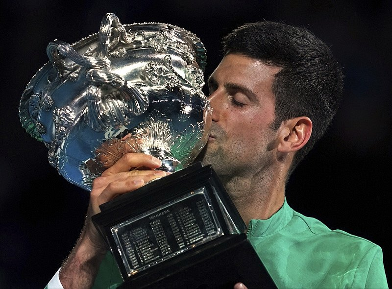 Novak Djokovič s trofejí