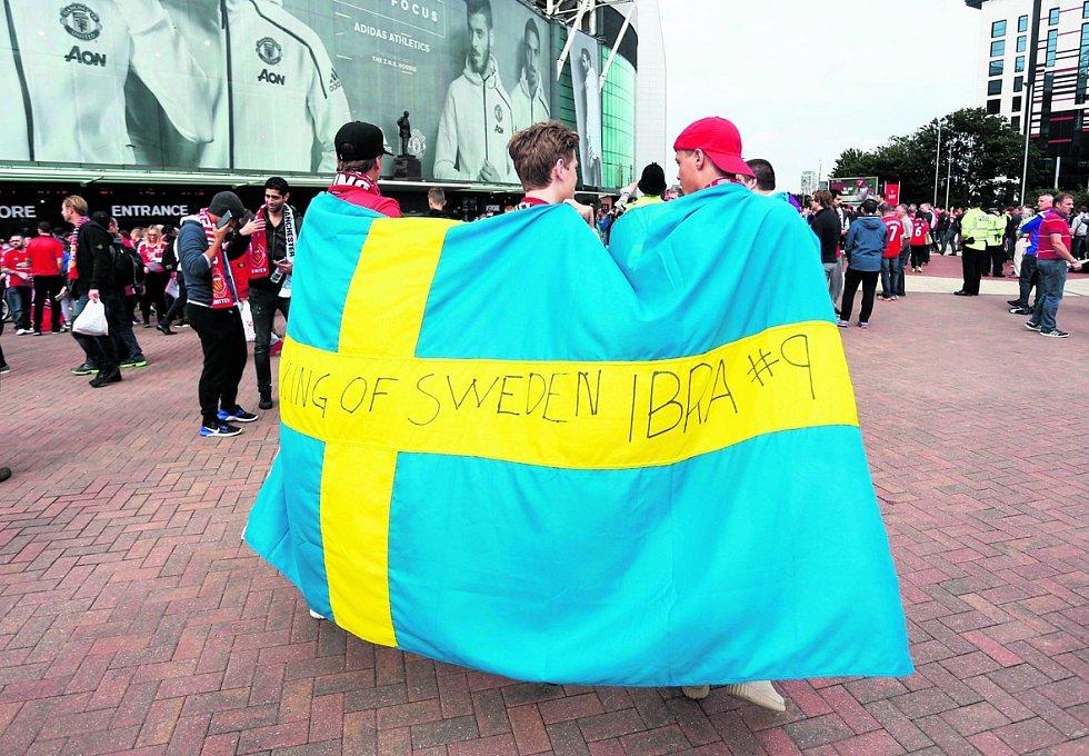 ODCHÁZEJÍ. Švédsko opouštějí nejen rodilí Švédové, ale i dřívější  přistěhovalci a jejich potomci.