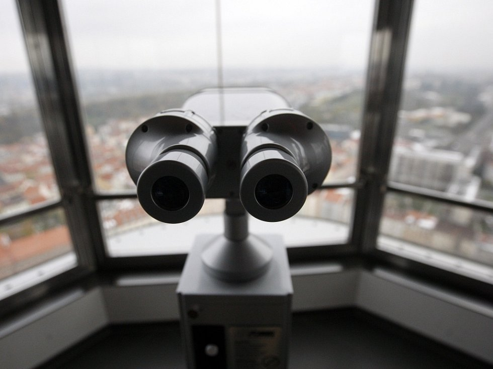 Prohlídka po otevření Žižkovské věže po její rekonstrukci proběhla 30. října. Návštěvníkům nabídne luxusní minihotel, tři nové restaurace a vyhlídkovou observatoř s multimediálním programem.