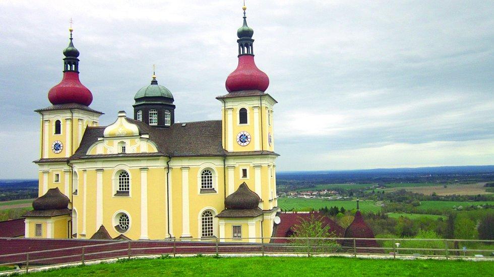 Kostel Panny Marie Těšitelky v obci Dobrá Voda u Nových Hradů bývá též nazýván jihočeské Lurdy. Nachází se zde léčivý pramen, u kterého původně stávala kaplička.