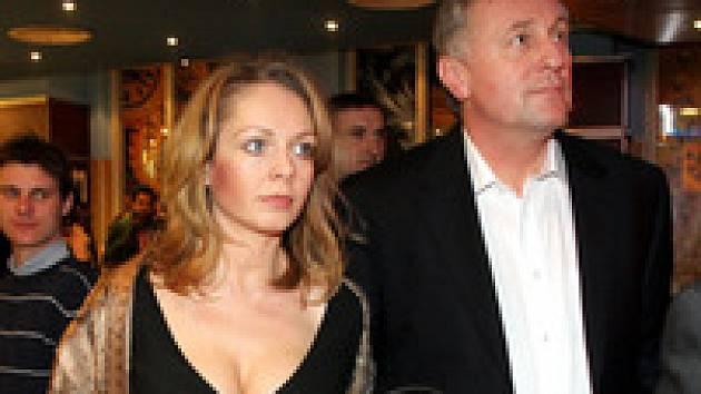 Premiér Mirek Topolánek s Lucií Talmanovou
