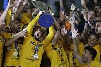 Hráči AEK Atény s Řeckým pohárem.