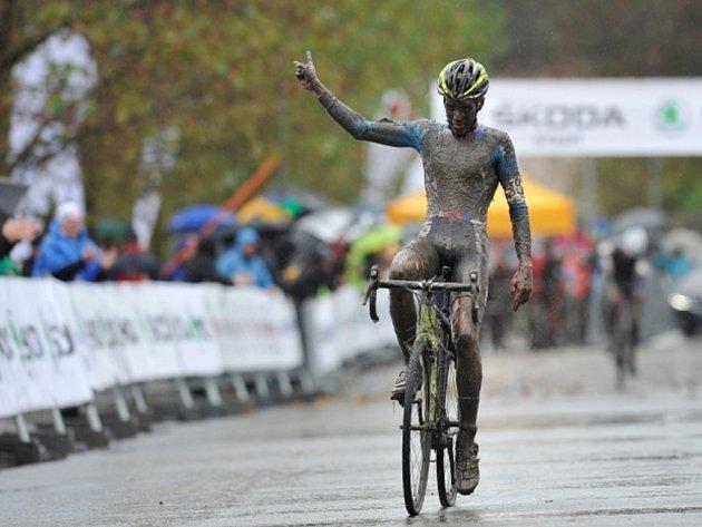 Cyklokrosař Adam Ťoupalík si v náročných podmínkách dojel v závodě juniorů na ME v Mladé Boleslavi pro stříbro.