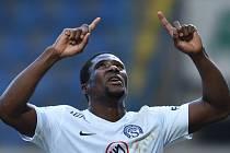 Francis Kouassi Koné ze Slovácka se raduje z gólu proti Liberci.