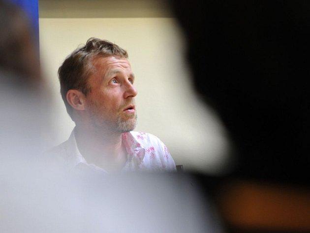 Norský spisovatel Jo Nesbo vystoupil 13. dubna na tiskové konferenci, která se uskutečnila při příležitosti jeho návštěvy Prahy.