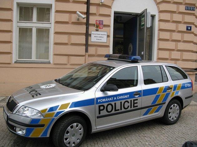 Nový policejní vůz vybavený kamerami