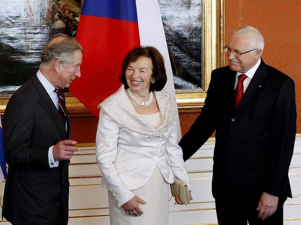 Prezident Václav Klaus přivítal 20. března na Pražském hradě prince Charlese s jeho ženou Camillou.