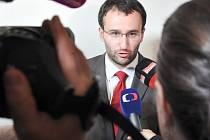 Zpátky k projednání před prvoinstančním Městským soudem v Praze vrátil v úterý odvolací senát pražského vrchního soudu případ žaloby lobbisty Ivo Rittiga na Nadační fond proti korupci.