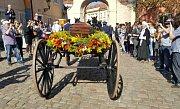 Z baziliky Panny Marie v areálu pražského Strahovského kláštera vyšlo 21. dubna 2018 smuteční procesí s ostatky kardinála Josefa Berana.