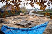 V Hamburku vykopali obří svastiku.