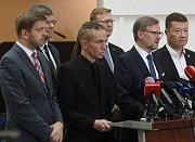 Opoziční politici volají po rezignaci Andreje Babiše