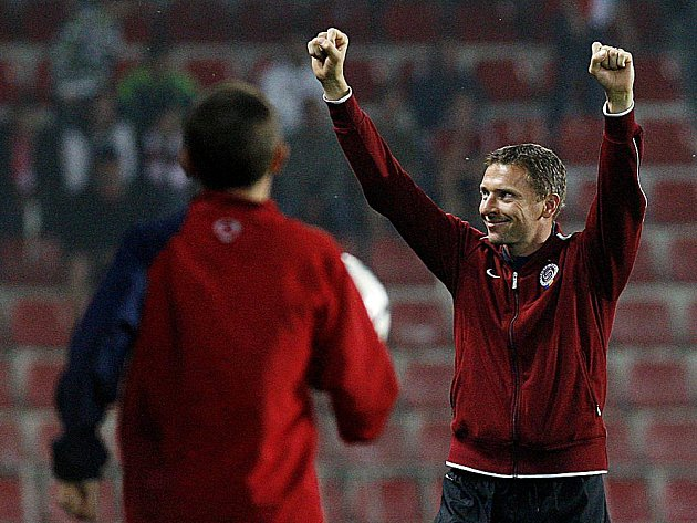 Trenér Sparty Martin Hašek mohl oslavit poklidné vítězství.
