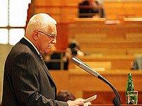 Václav Klaus před časem hovořil k senátorům