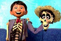COCO. Mezi animovanými filmy se utká o cenu americký poetický snímek inspirovaný osobitou mexickou tradicí uctívání mrtvých.