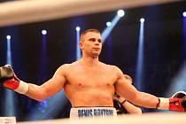 Boxer Denis Bojcov.