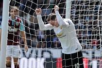 Wayne Rooney a jeho reakce po zmařené šanci v Burnley