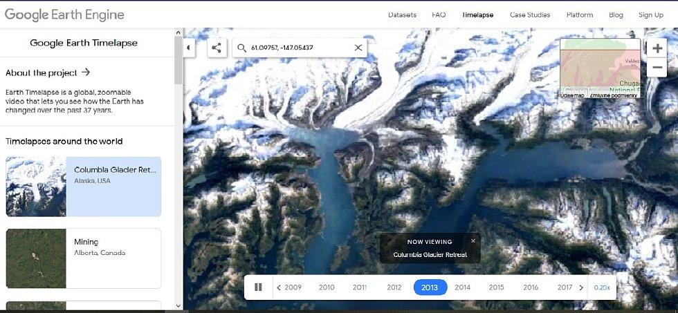 Nová aplikace Google Earth Timelapse umožňuje vidět proměnu planety v posledních čtyřiceti letech. Na snímku mizení ledovce Columbia na Aljašce, rok 2013.