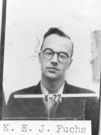 Klaus Fuchs na policejním snímku po zatčení pro špionáž