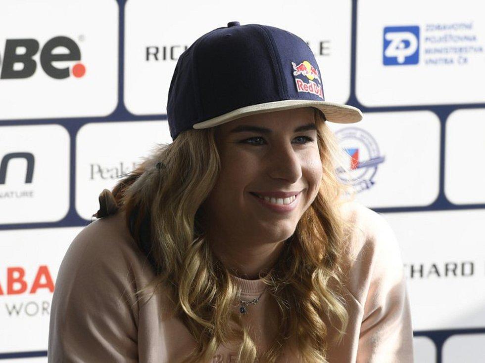 Lyžařka a snowboardistka Ester Ledecká.